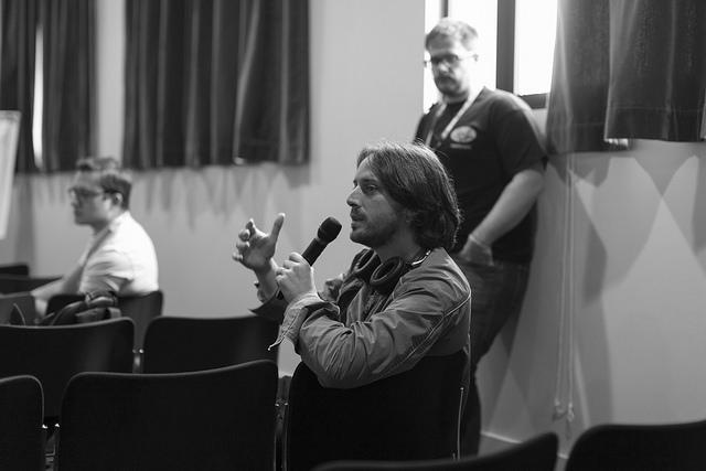 Question lors d'une informelle pendant les conférences Paris Web 2014